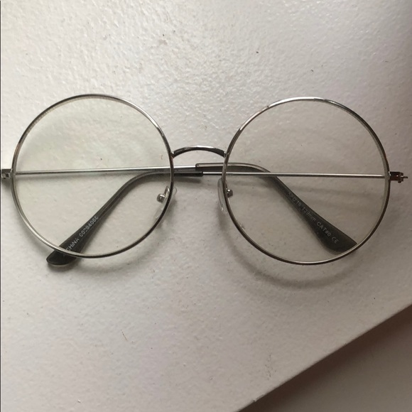 002413e978 Forever 21 Accessories - Forever21 round readers
